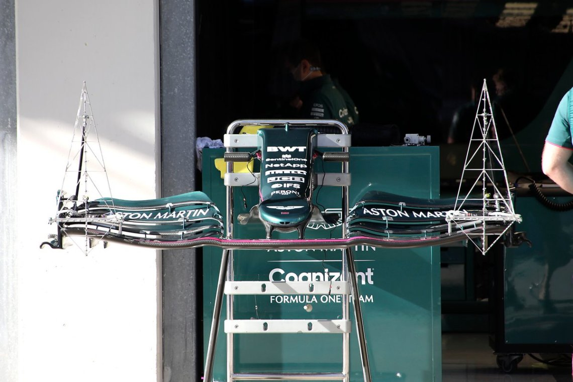 Aston Martin Racing AMR21 front wing