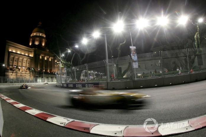 En 2008, año de la primera edición del GP de Singapur, se celebró la primera carrera nocturna en la F1. En los siguientes años, Bahrein y Abu Dhabi también se pasaron a la 'moda' de correr de noche.