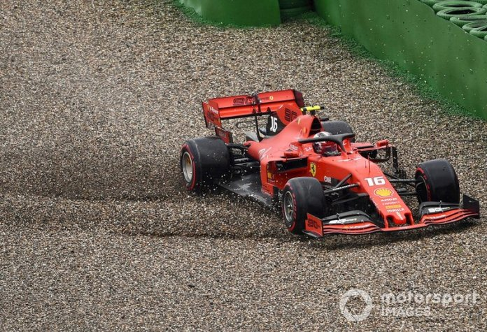 Choque de Charles Leclerc, Ferrari SF90 lo deja fuera de la carrera