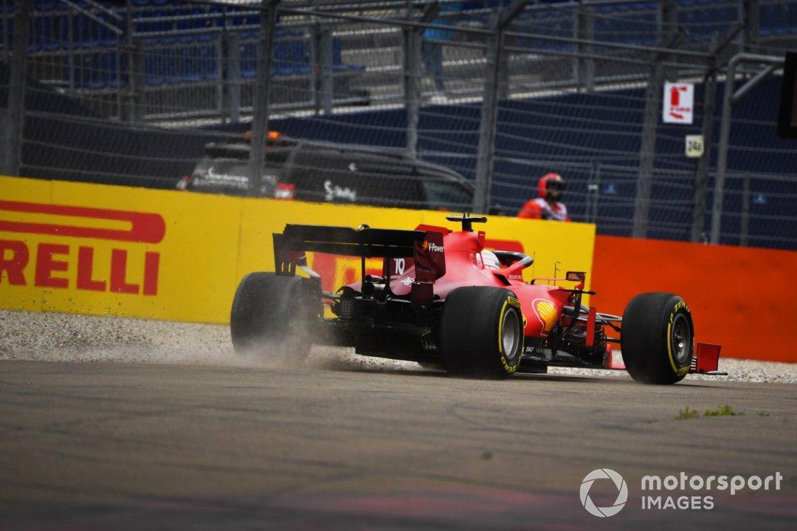 Charles Leclerc, Ferrari SF21, off the track