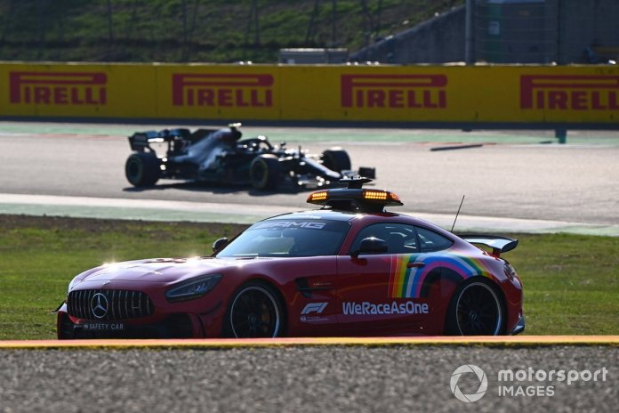 El Safety Car y Lewis Hamilton, Mercedes F1 W11