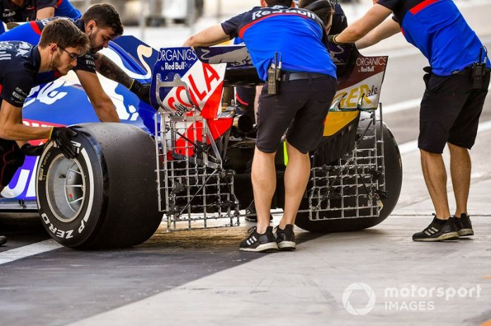 El coche de Pierre Gasly, Toro Rosso STR14 con sensores