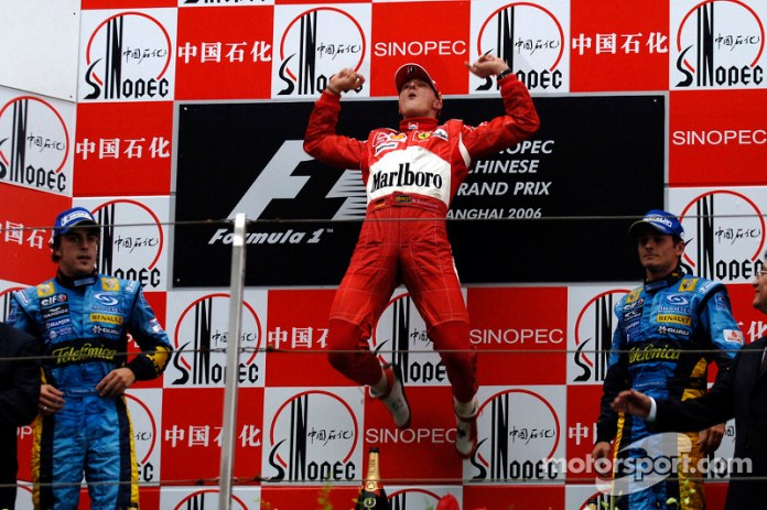 37- Fernando Alonso, 2º en el GP de China 2006 con Renault