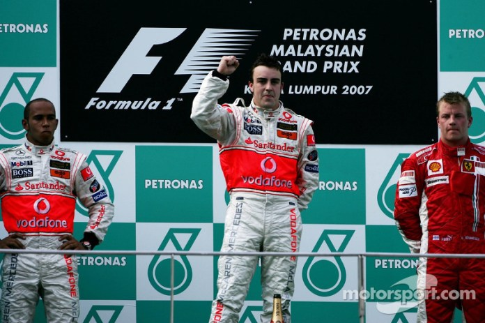41- Fernando Alonso, 1º en el GP de Malasia 2007