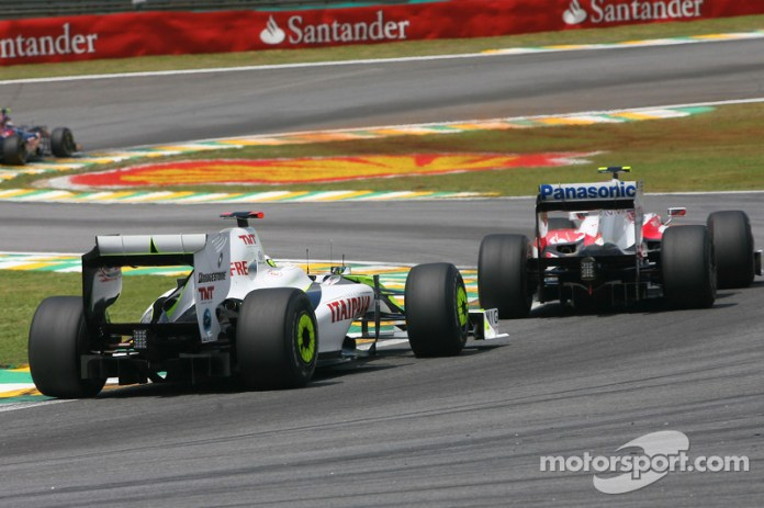 Jenson Button, Brawn GP y Kamui Kobayashi, Toyota F1 Team