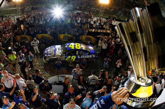 2009 - Champion over Mark Martin by 141pts