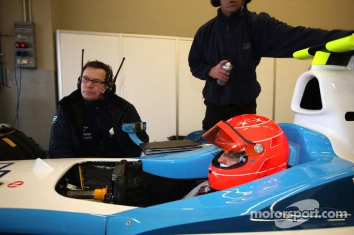 Michael Schumacher prueba un GP2