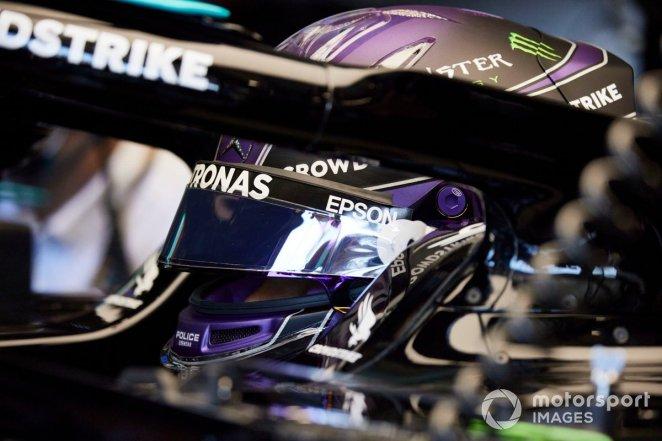 Lewis Hamilton, Mercedes in the garage