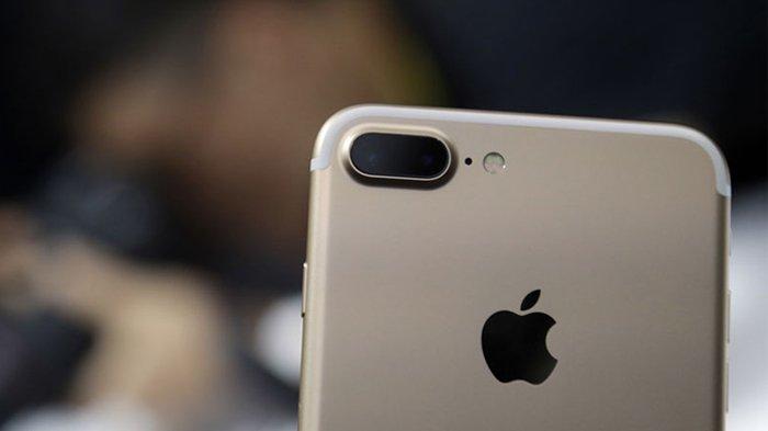Harga apple iphone 7 plus 128gb terbaru dan termurah 2021 lengkap dengan spesifikasi, review, rating dan forum. Apakah Turun Harga? Simak Daftar Harga iPhone Terbaru Januari 2021: iPhone 7 Plus, hingga iPhone ...