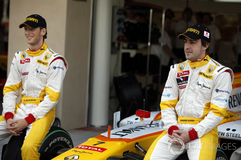 """Fernando Alonso, Renault F1 Team and Romain Grosjean, Renault F1 Team  Divisive Alonso """"overrated"""" in terms of F1 achievements f1 abu dhabi gp 2009 fernando alonso renault f1 team and romain grosjean renault f1 team"""