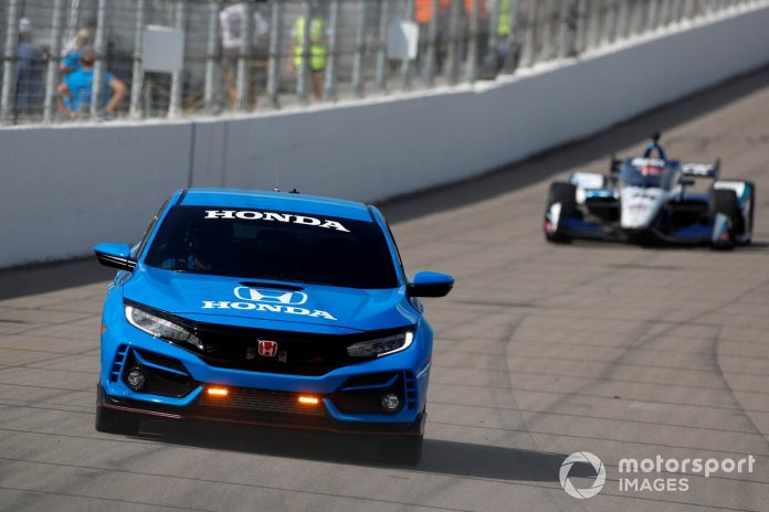 Honda Civic Pace Car in action