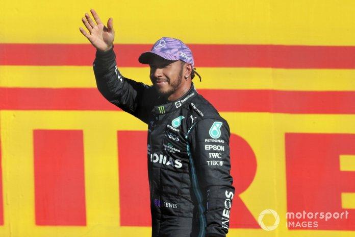 Lewis Hamilton, Mercedes, u bën tifozëve