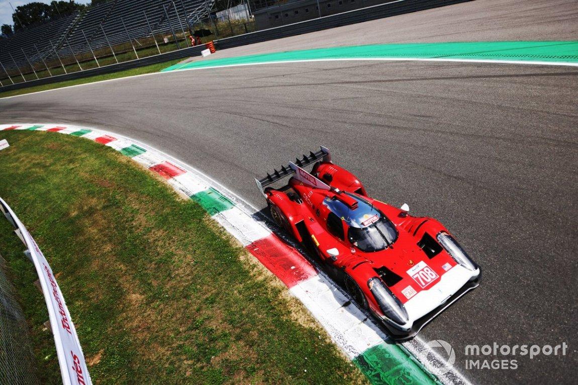 # 708 Glickenhaus Racing Glickenhaus 007 LMH: Luis Felipe Derani, Gustavo Menezes, Olivier Pal
