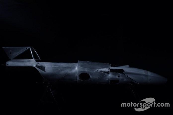 La carrocería del Ferrari 312B era autoportante con paneles de aluminio remachados con tubos de acero.