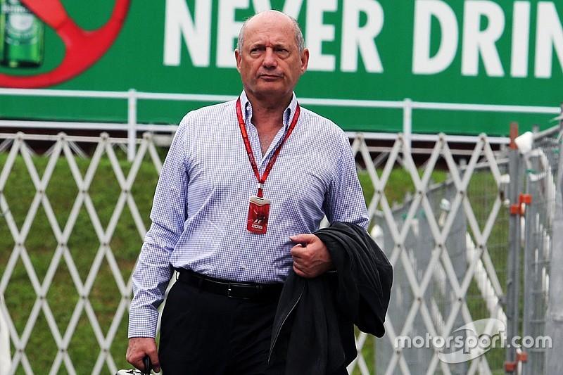 Ron Dennis lascia la McLaren: