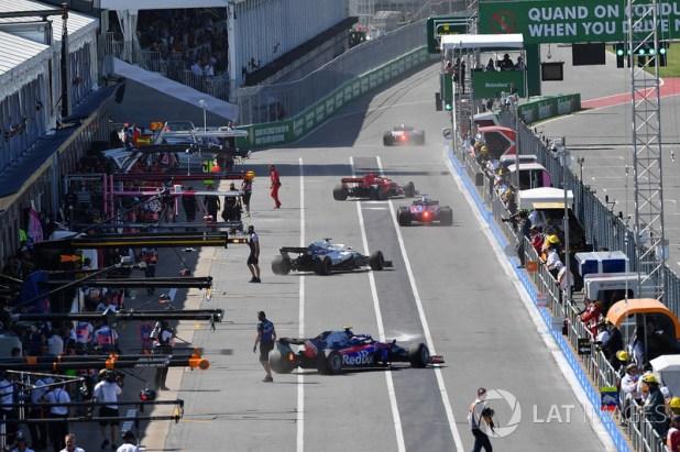 Pit lane action