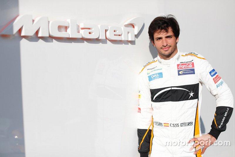 Carlos Sainz, McLaren  F1 2019 driver and team line-ups carlos sainz jr mclaren at the abu dhabi testing 1
