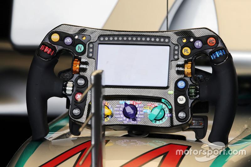 Il volante di Lewis Hamilton, Mercedes AMG F1