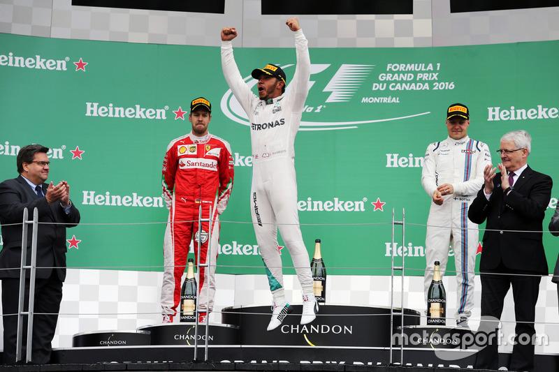 Para o alto e avante! Com a vitória em Montreal, Hamilton reduziu a desvantagem em relação a Rosberg significativamente.