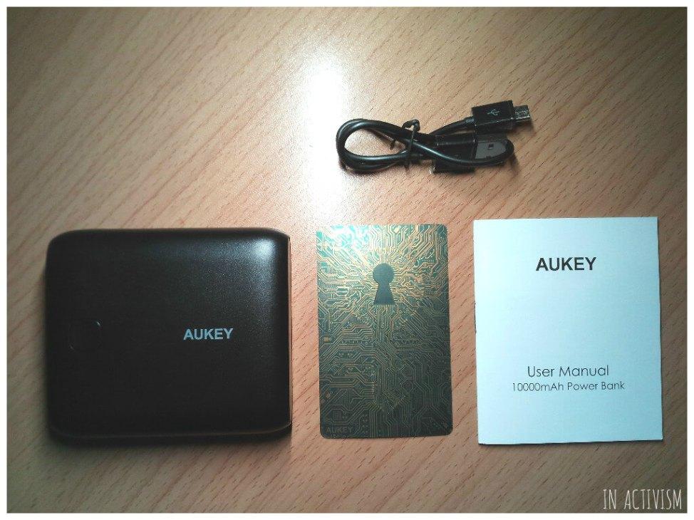 AUKEY モバイルバッテリーパッケージ内容