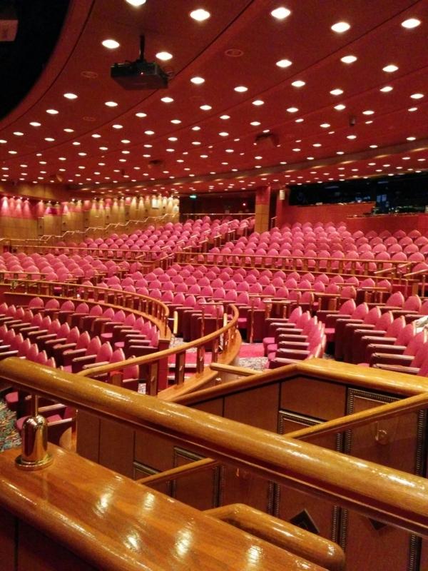 ダイヤモンドプリンセスの劇場