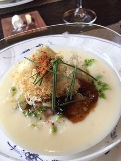 太宰府のフレンチレストランであるエッサンスのスープ