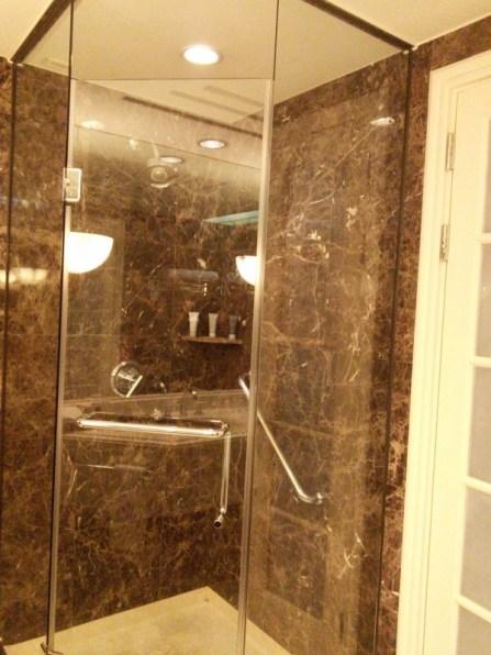 JWマリオットホテル・ソウルの客室シャワーブース