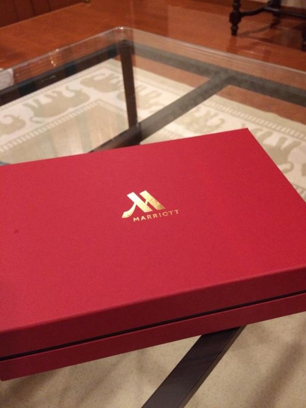東京マリオットホテルのペストリーショップ GGCo.で買ったサブレの箱