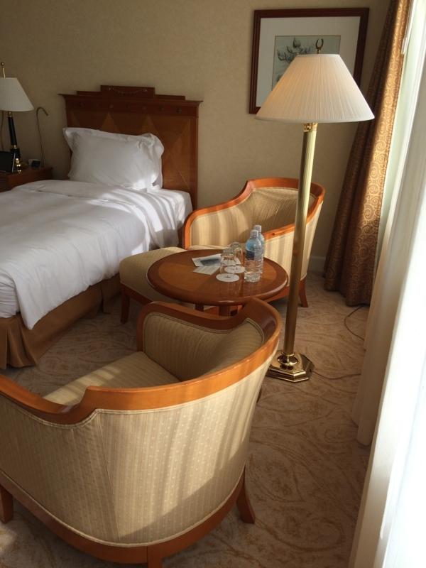 名古屋マリオットホテルの客室に設置されているミネラルウォーター
