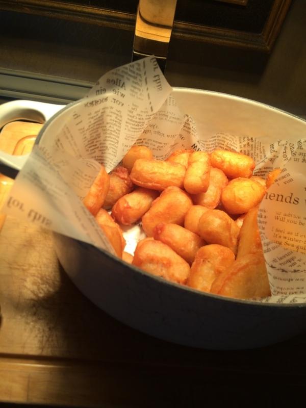名古屋マリオットホテルのエグゼクティブラウンジのカクテルタイムのフィッシュ&チップス