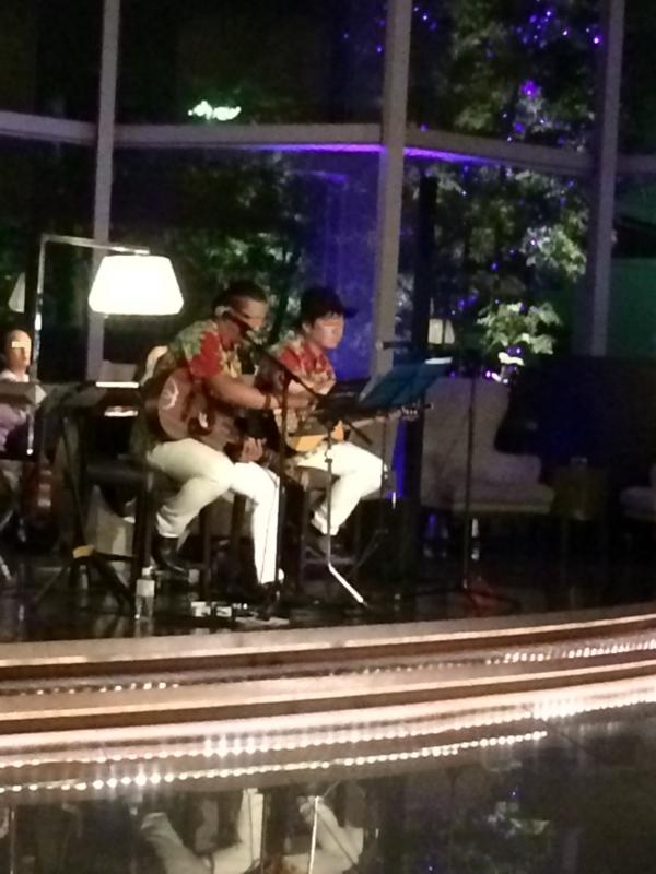東京マリオットホテル一階フロアでの生演奏