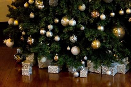30代の社会人の彼氏へ贈るクリスマスプレゼントとクリスマスツリー