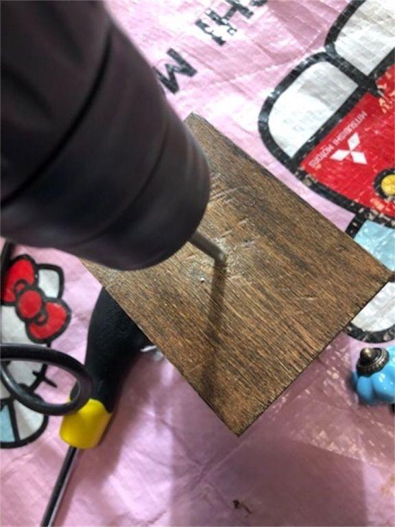 木製ドロアーボックスに穴を開ける