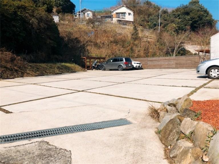 長与TOU(トウ)の駐車場は広い