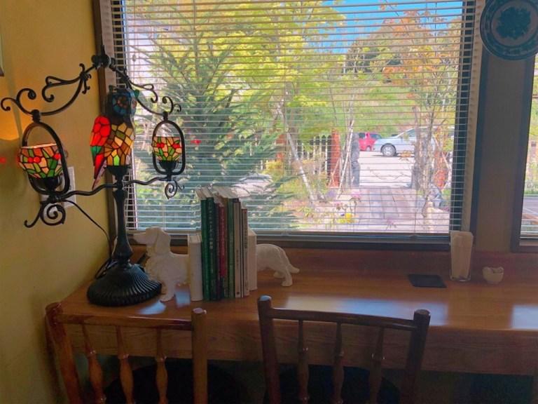 森の魔女カフェのカウンター席