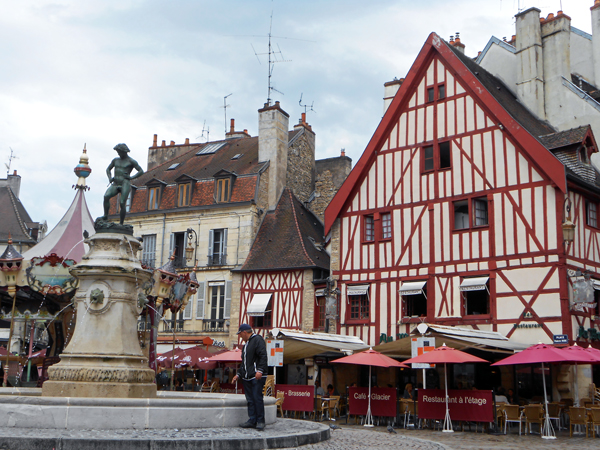 ディジョン旧市街(フランス)にて
