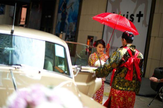 Kalamakeup bride Vera getting ready for Chinese Tea Ceremony at Grand Hyatt Hotel, H.K.