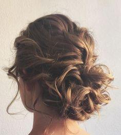 bridal messy bun hair styling