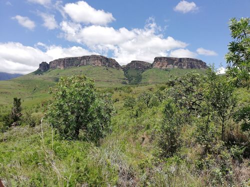 A resident cook is available to prepare meals, you will however need to provide your own food supplies. Ukhahlamba Drakensberg Park Kwazulu Natal Sudafrika Beliebte Routen Alltrails
