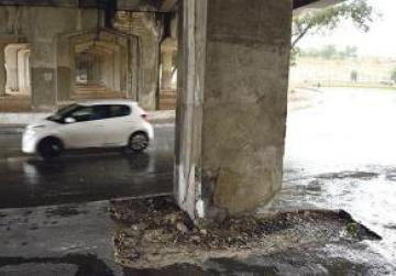 Chunks of concrete have been falling from the Marsa-Ħamrun flyover. Photo: Mark Zammit Cordina