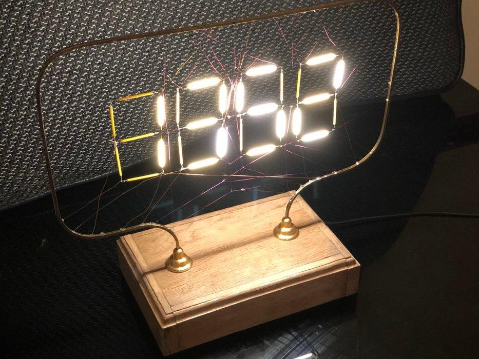 Reloj de filamento controlado con Arduino