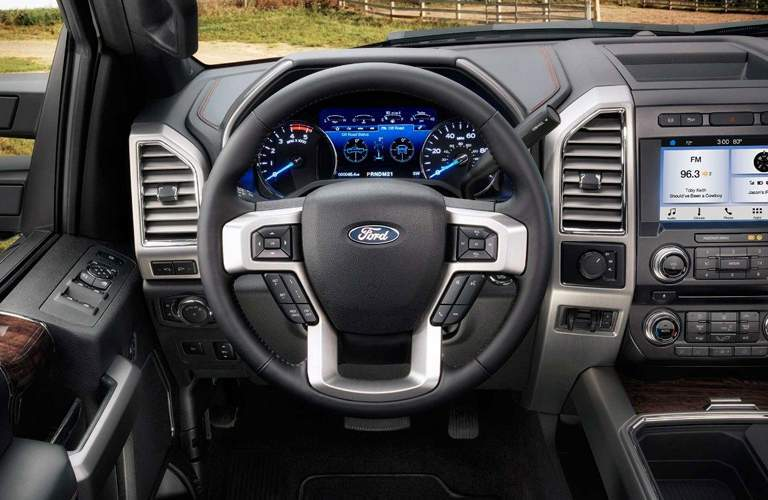 2018 Ford F250 Super Duty vs 2018 Chevy Silverado 2500HD
