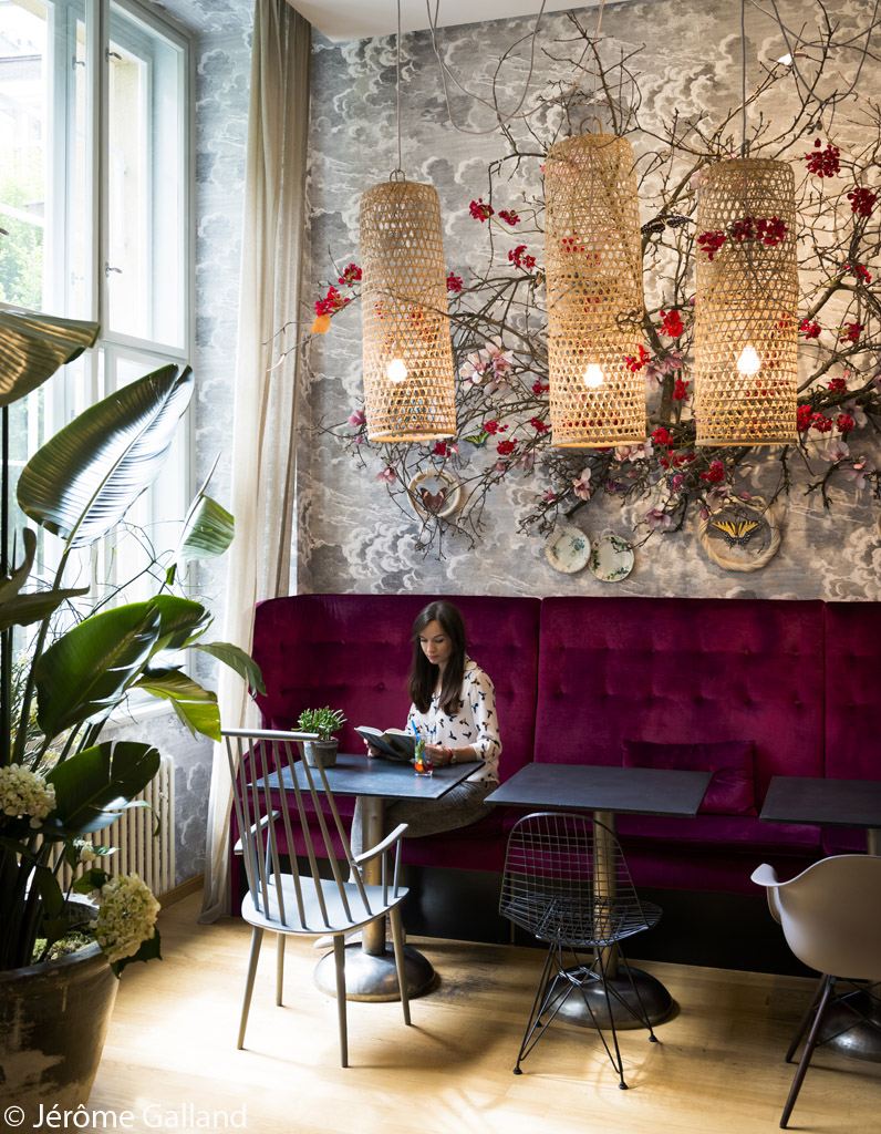 fauteuil-rouge-cafe-boheme-prague