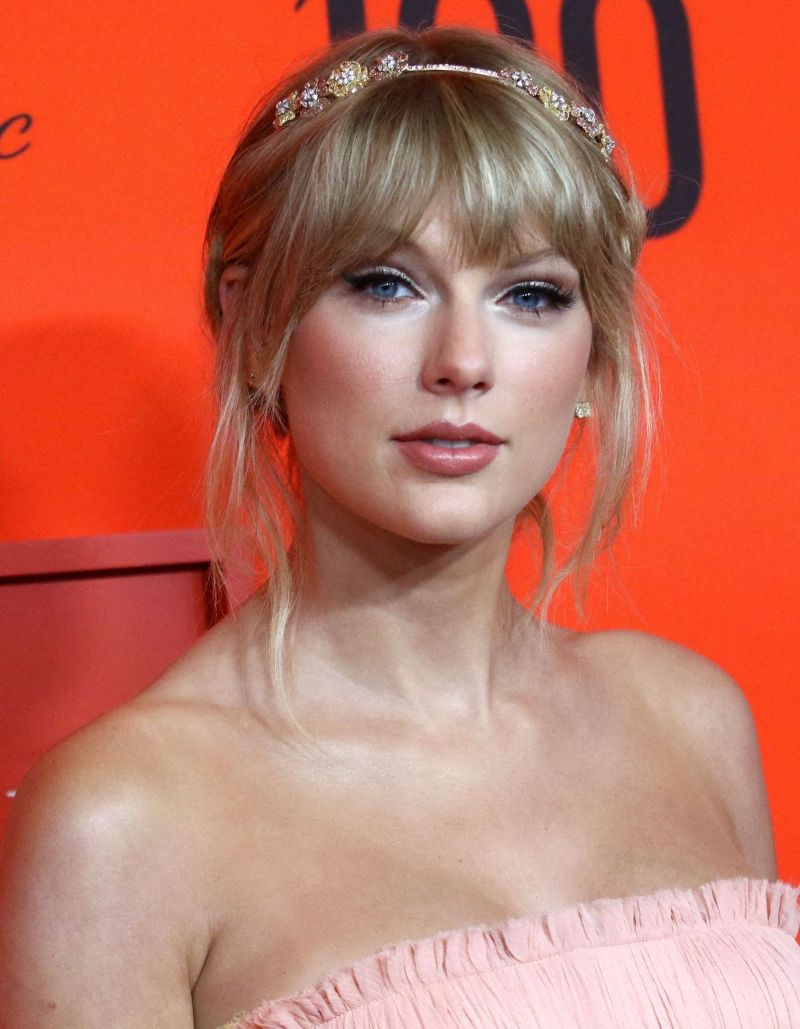 Taylor Swift Her Lovely Attention To Katy Perry And Orlando Bloom S Daughter World Today News