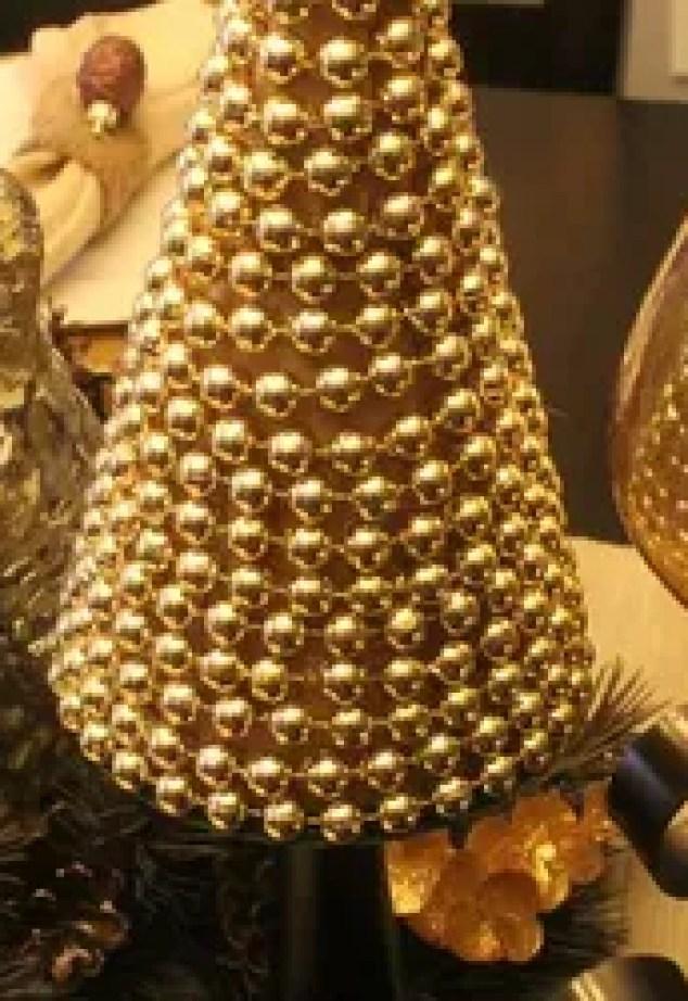 Gold Holiday Decor Cast Iron Pot Holder Snow Flake Hot Pad Table