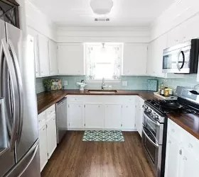 13 Kitchen Paint Colors People Are Pinning Like Crazy ... on Rustic:rkh3E0Gkuju= Farmhouse Kitchen Ideas  id=97985