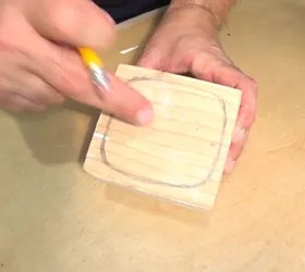 primitive little keepsake box, drawing the drawer