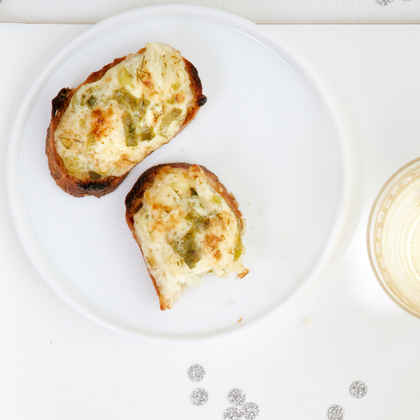 Herbed Onion Parmesan Toasts