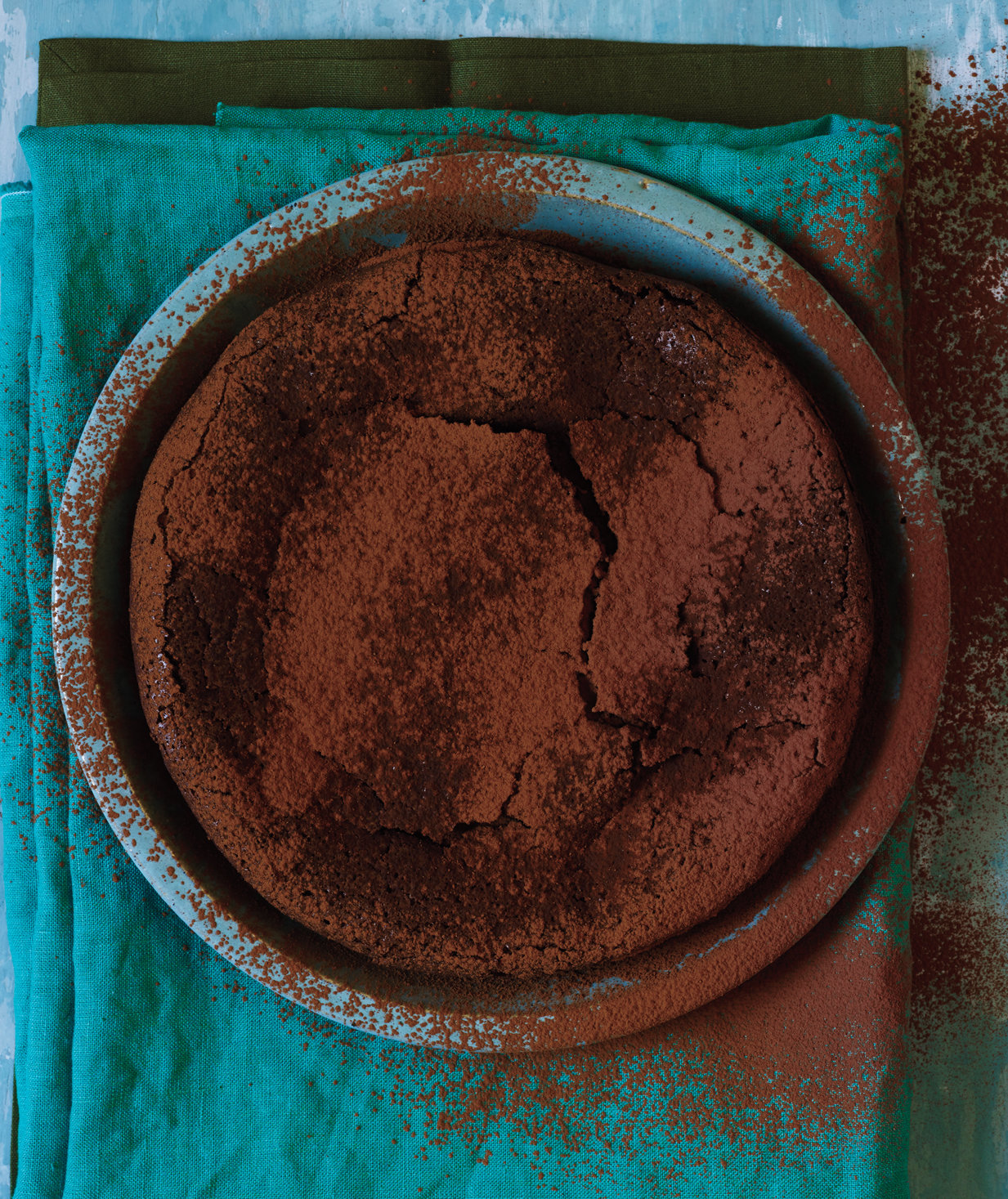 flourless-chocolate-cake-cocoa