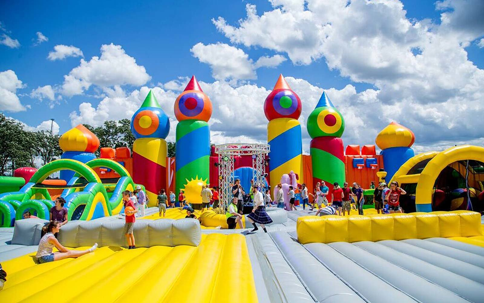 Best Kitchen Gallery: The World's Largest Bounce House May Be Ing To A City Near You of Largest House In Houston on rachelxblog.com